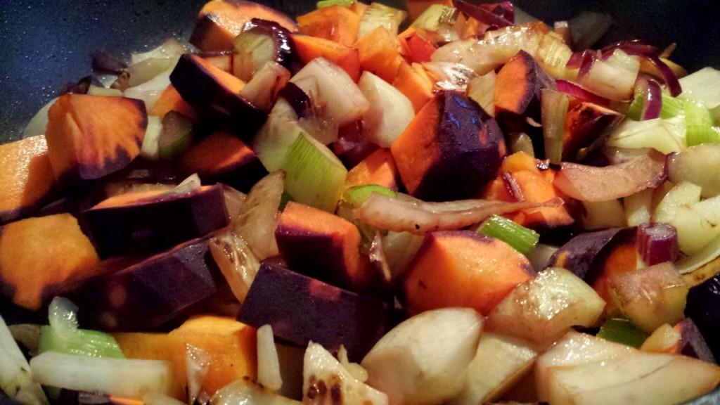 Gemüsepfanne mit Urmöhre und Fenchel