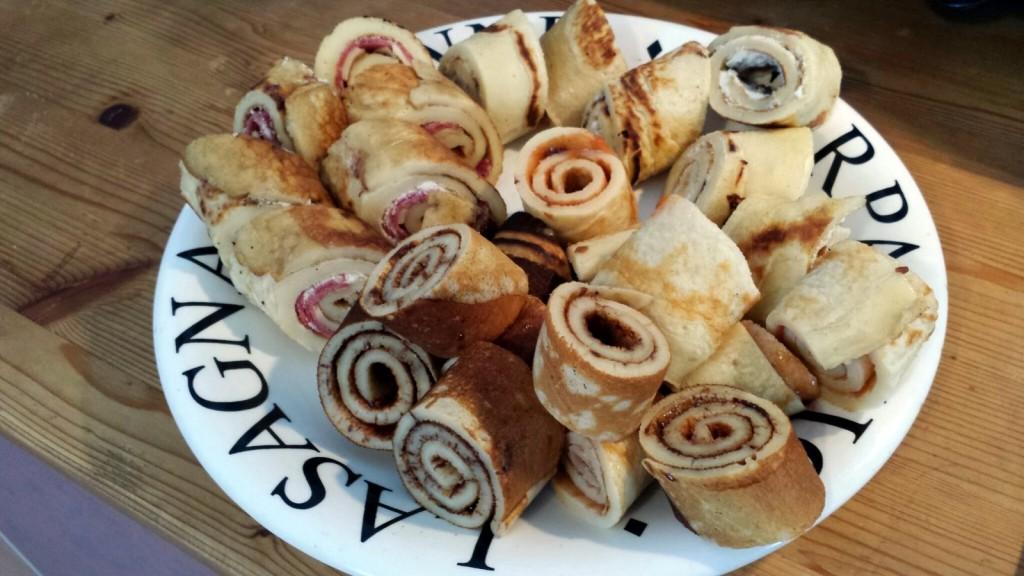 Gerollte und gefüllte Pfannkuchen