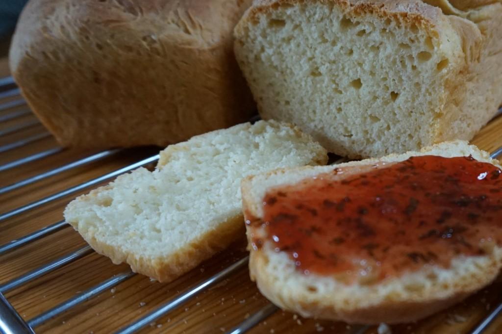 Brotbacktag: Zwei Toastbrote, immer noch verbesserungswürdig, ...