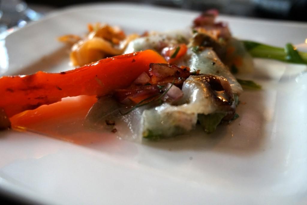 Vorspeise: Verschiedene Fisch-Carpaccios mit Gemüse