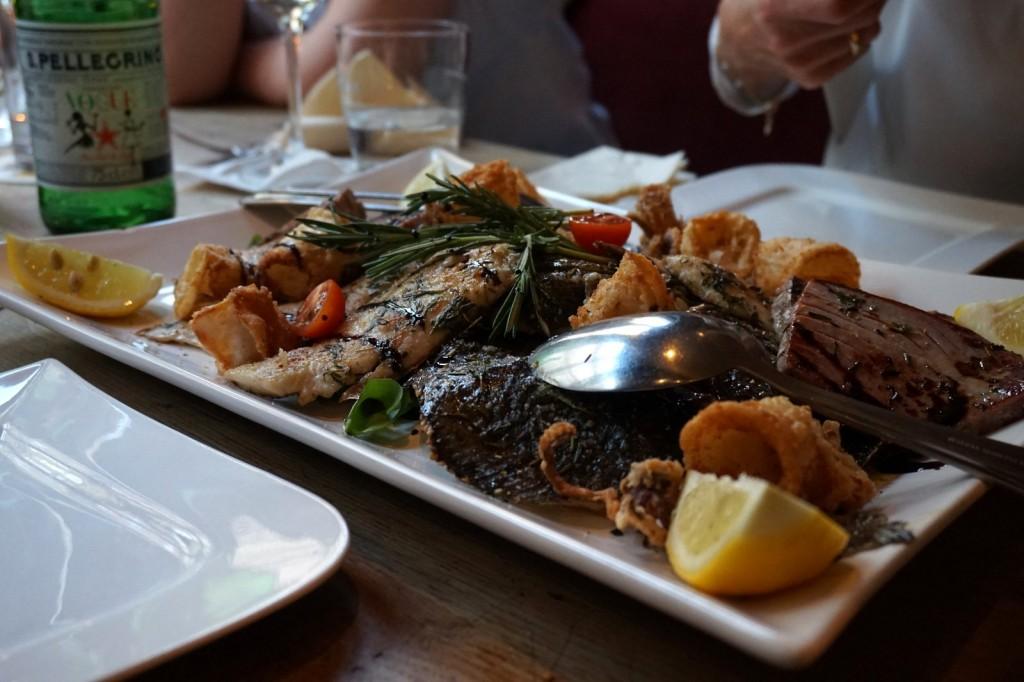 Hauptgang: Thunfisch, Steinbutt, Dorade und Tintenfisch