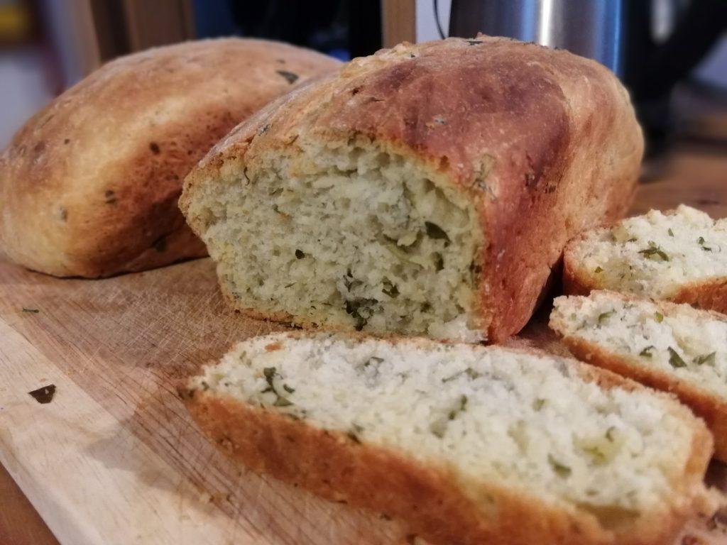 Sechs-Kräuter-Brot